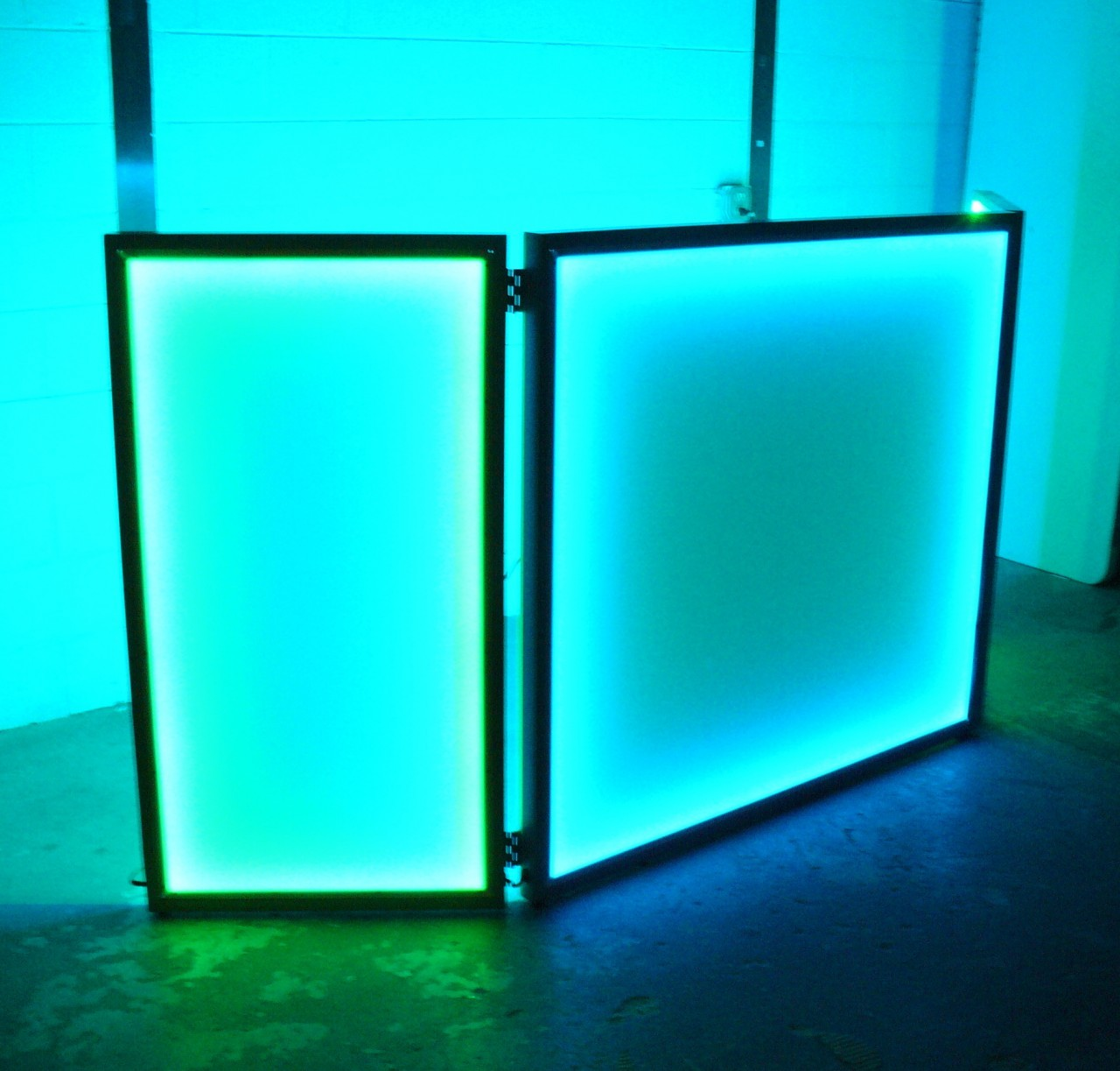 130958096721 besides Disco Lights in addition Led Ghost Shadow Light also 1955161750 also Custom Led Door Projector Courtesy Puddle Logo Lights. on led laser projector lights
